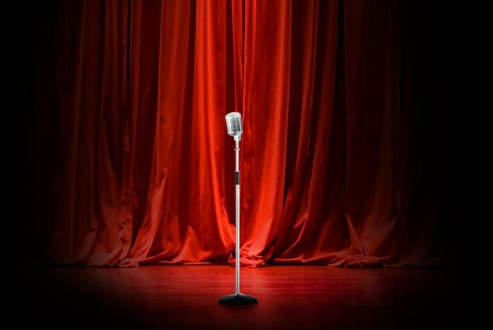 comedian-on-stage