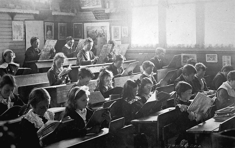 kids in class circa 1900